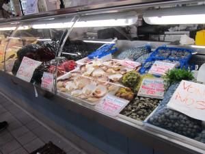 Рыбный рынок в Римини - здесь можно купить все. А, главное, цены ниже, чем в супермаркетах.