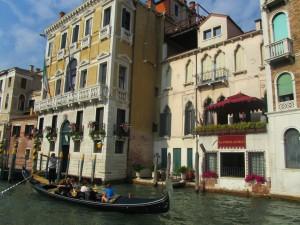 Гандола в Венеции