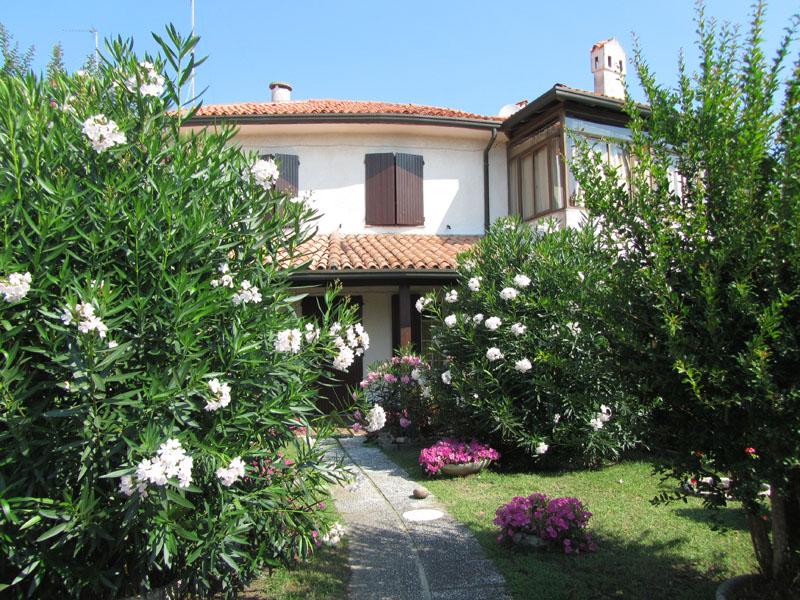 Частный дом на море в Италии