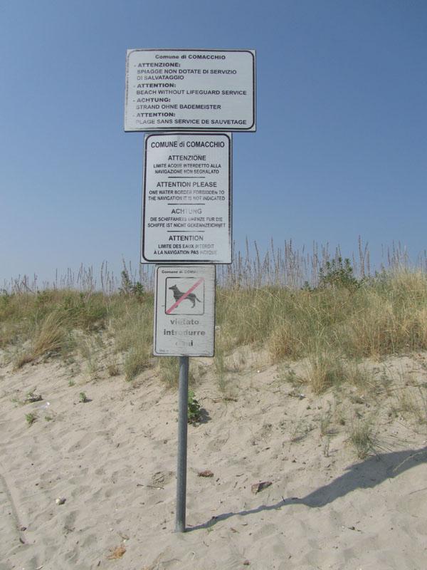 Правила поведения на бесплатном пляже в Италии.