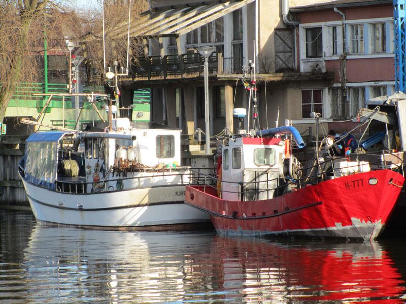 Корабли на канале в Клайпеде