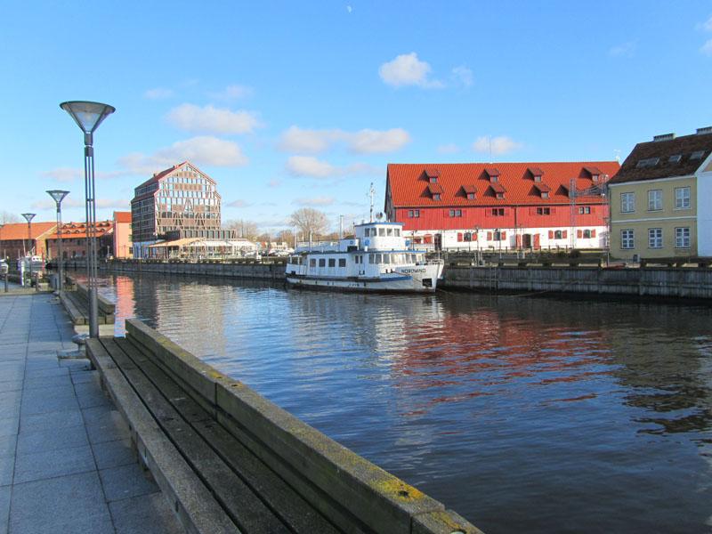 Река Данге в Клайпеде ведет к Старой переправе