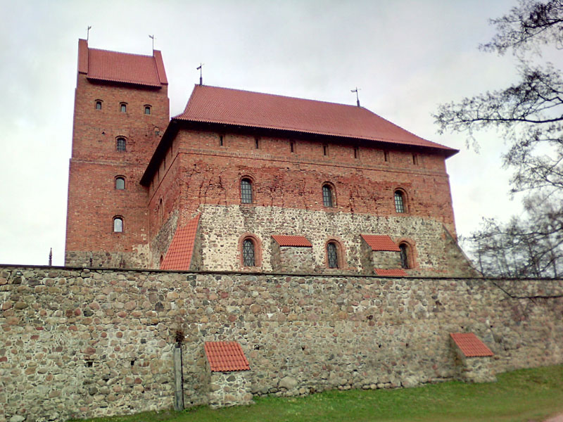 Стены Тракайского замка