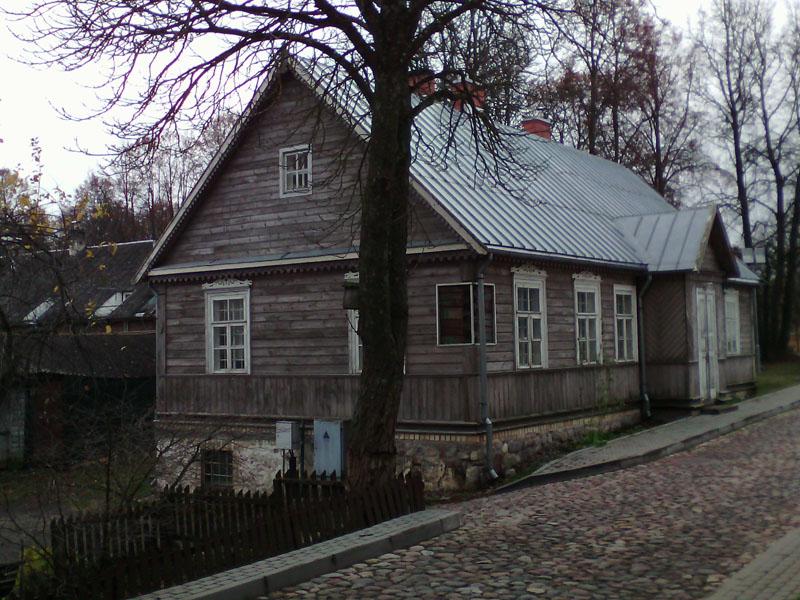 Деревянный дом в Тракае