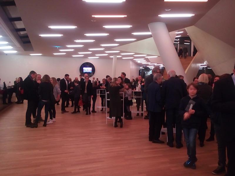 """На каждом этаже знатный """"буфет"""" в Elbphilharmonie"""